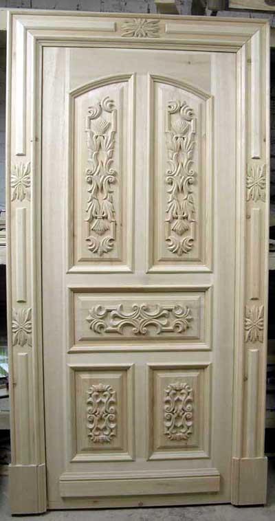 Дверь, изготовленная на деревообрабатывающем станке с ЧПУ.